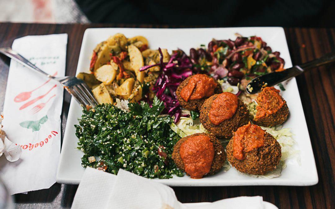 Læs anmeldelser af veganske spisesteder i København på nettet